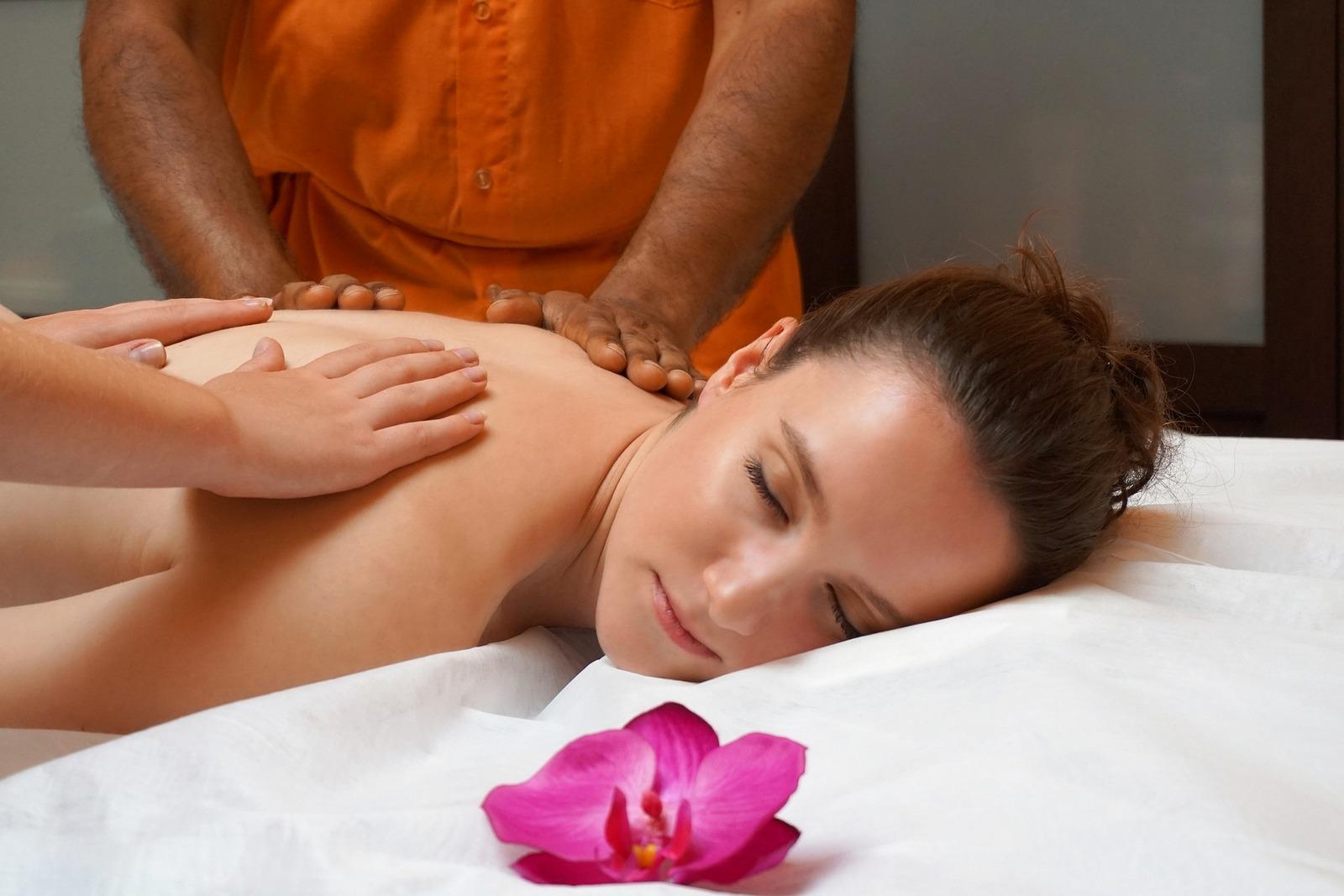Štvorručná masáž, Relax